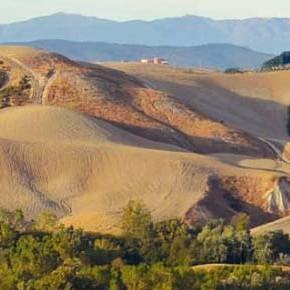 Nuovo impianto fotovoltaico nelle Crete Senesi, ad opera dei Monaci Benedettini