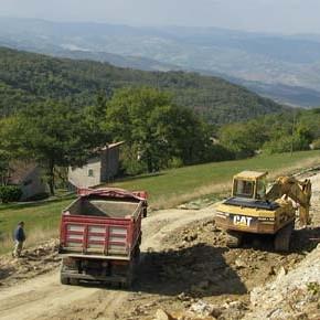 Modena: raccontano il cemento, li trascinano in tribunale