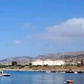 In Calabria progetto per mega-centrale a carbone da 140 posti di lavoro: costa 1 miliardo e distrugge l'ambiente. A che pro?