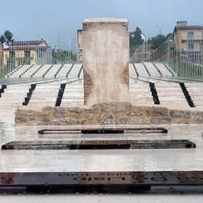 San Giuliano di Puglia: l'oro dietro le 27 bare bianche