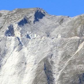Monte Sella - Cava attiva sopra 1600 metri -  persino sulle Alpi sarebbe una quota soggetta a vincolo idrogeologico