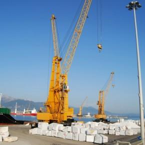 Porto di Marina di Carrara - Apuane che se ne vanno...