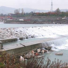 La lunga storia del fiume Secchia dilaniato
