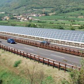 Fotovoltaico: con migliaia di km di autostrade non serve occupare suolo fertile!