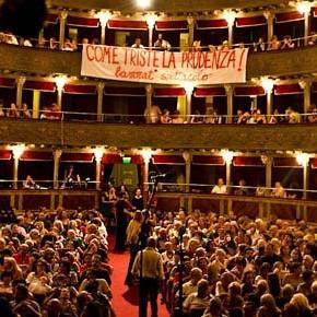 Dal teatro Valle alle Officine Zero: in Italia sta nascendo un nuovo tipo di bene, né pubblico né privato... ma comune