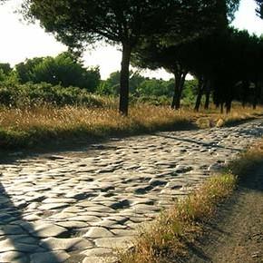 Autostrade e Appia Antica: un matrimonio che non s'ha da fare