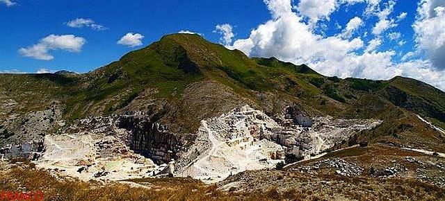 Le Alpi Apuane e le cave di marmo: l'appello al Presidente della Repubblica