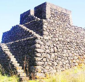 Rase al suolo alcune piramidi dell'Etna