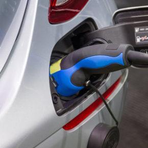 L'ossessione delle auto elettriche