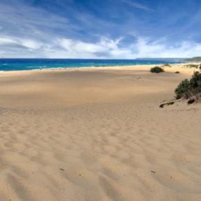 La Sardegna prepara una colata di cemento lungo le sue preziose coste