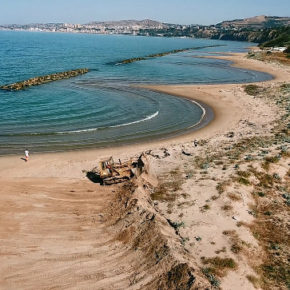 Ad Agrigento hanno distrutto le dune di sabbia